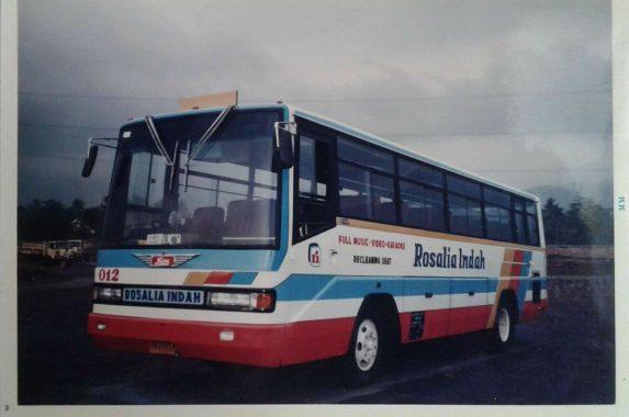 Bus Jadul HINO Rosalia Indah